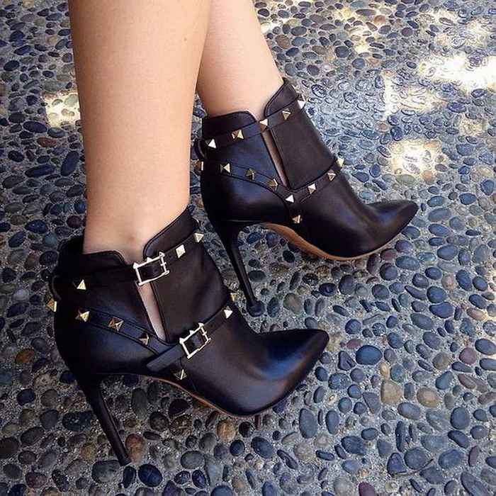 5 Reasons Why Valentino Rockstud Boots